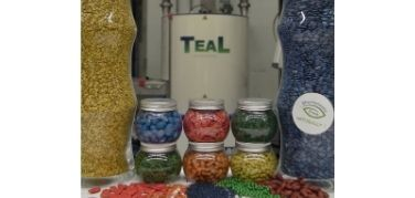 TeaL makes it possible to do Seed Treatment inhouse by offering machines, seed treatment products and onsite training.